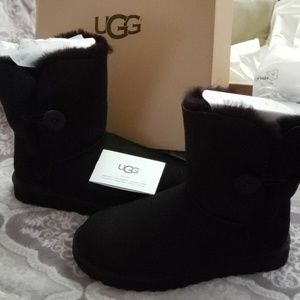 UGG Women's Bailey Button II Boot